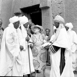Queen Elizabeth and Emir of Kano, Mohammadu Sanusi in 1961